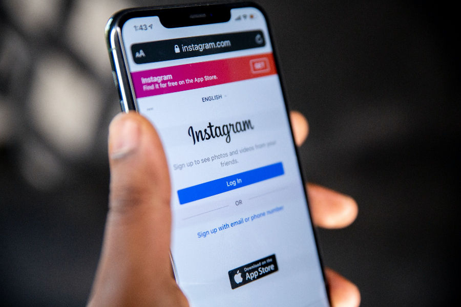 How to reverse image search on Instagram